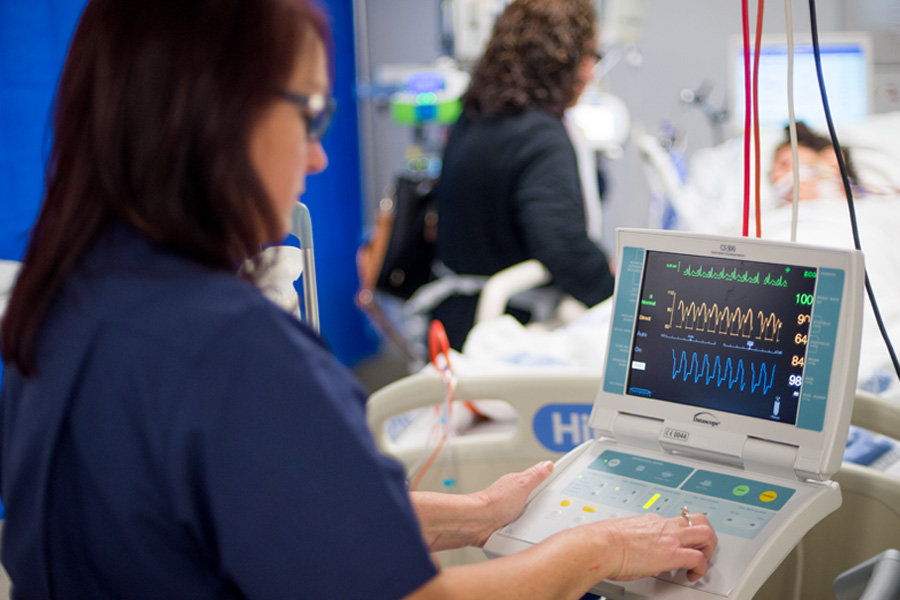 Evidence based service models.  Improving outcomes through networked Intensive Care Services.
